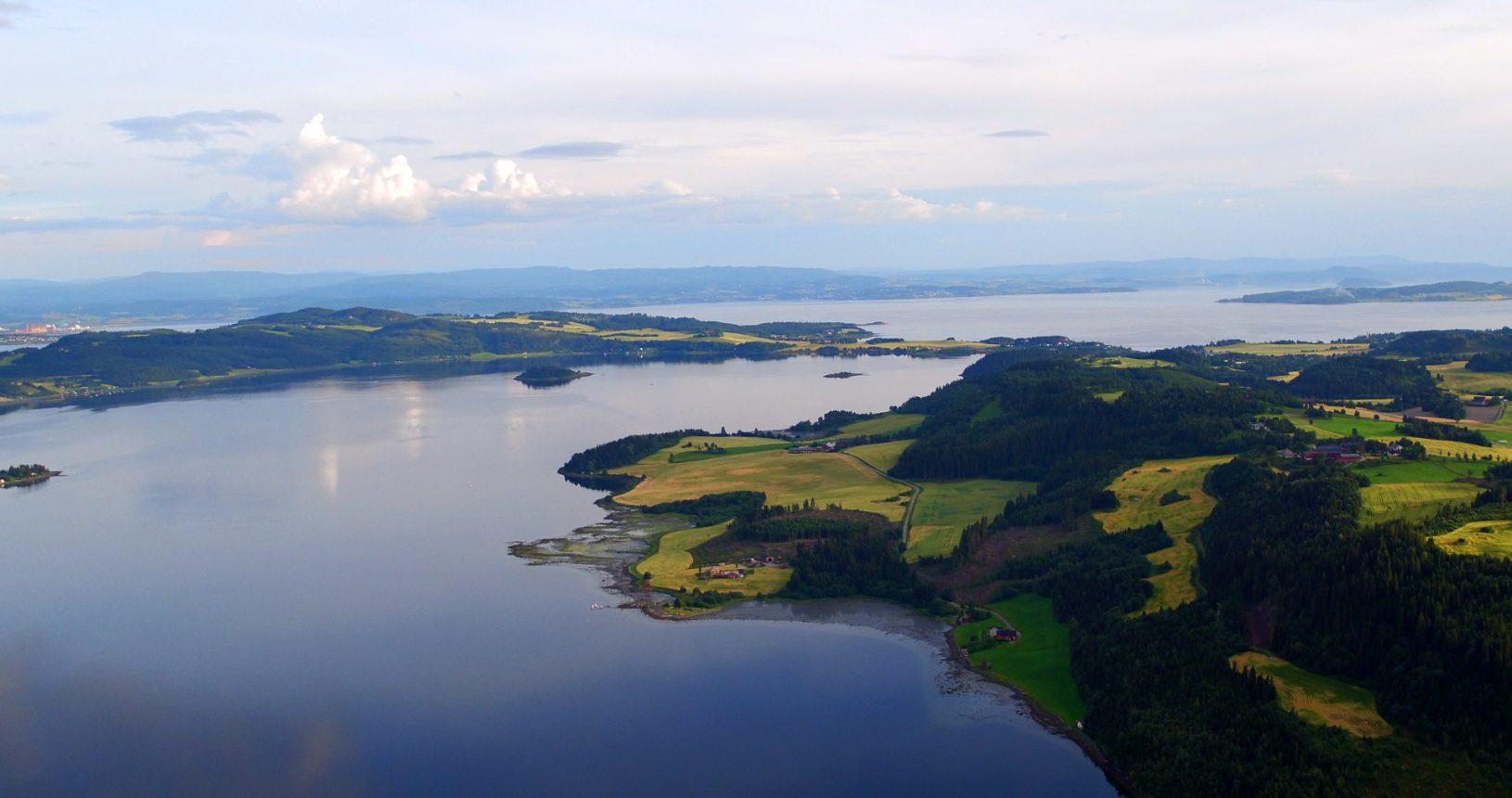 Bilder og videoer fra båt og drone sjøveien inn til deg langs kystlinjen i INDERØY (Borgenfjorden, Straumen, Trondheimsfjorden, Norviksundet, Skarnsundet, Verrasundet, Beitstadfjorden), er i korthet prosjekt FJORDSPOTTING. Bilder og videoer fra båt og drone sjøveien inn til deg, langs kystlinjen i Inderøy kommune, er i korthet prosjekt FJORDSPOTTING. FJORDSPOTTING, INDERØY, Borgenfjorden, Straumen, Trondheimsfjorden, Norviksundet, Skarnsundet, Verrasundet, Beitstadfjorden, Fotografi, Videografi, Sjøveien, Sjark, Drone