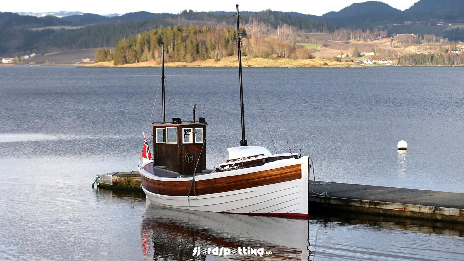 Foto og video fra båt og drone sjøveien inn til deg, langs kystlinjen i Inderøy kommune, er i korthet prosjekt FJORDSPOTTING.